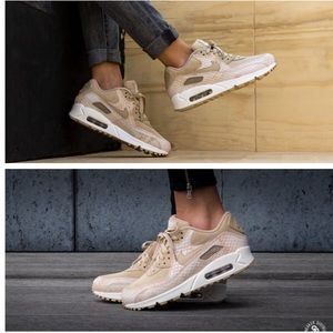 NIKE WOMENS AUTHENTIC AIR MAX 90 Sz 8 New